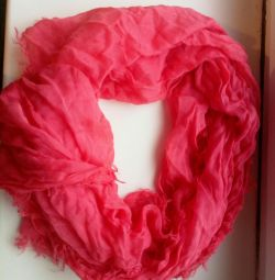 Coral scarf