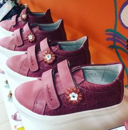 Δερμάτινα χαμηλά παπούτσια Totto 25,26,27,29,30