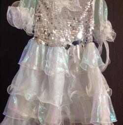 Το φόρεμα είναι παιδικό
