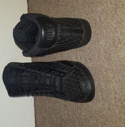 Новый «Nike BLAZER» размер 9 Великобритания