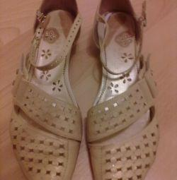Yaz ayakkabı
