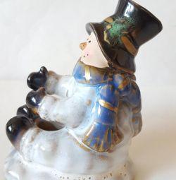 Фарфорова статуетка сніговик