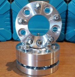Spacers wheel hub discs 5h114.3 (20mm)