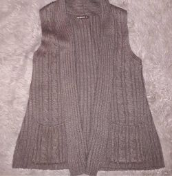 Knitted vest Terranova