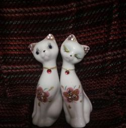 Wedding figurines of kitty