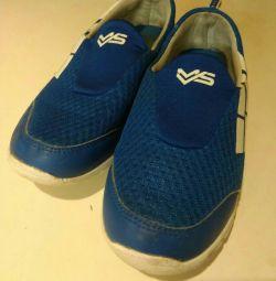 Spor ayakkabılar 38 s.