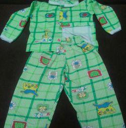 Πιτζάμες για 1,5 χρόνια