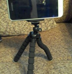 Tripod is flexible for video and photo shooting new