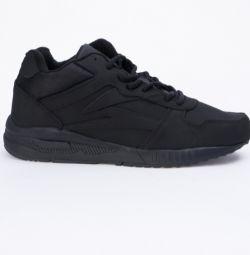 Pantofi noi Sigma