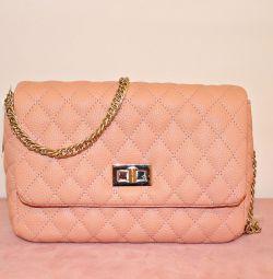 Нова сумка рожевого кольору living coral