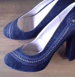 Yeni ayakkabılar s. 39.5