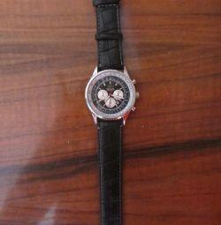 Ceasurile pentru bărbați Breitling sunt noi.