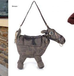 Pungă originală sub formă de cal