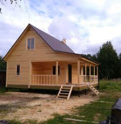 Construim case, bai, cabine de lemn.