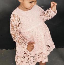 Roz rochie de dantelă (nouă)