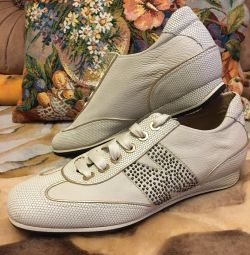 New sneakers leather Italy 41 size