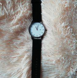 Ceasurile pentru bărbați sunt noi.