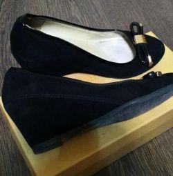 Suede pantofi în stare excelentă