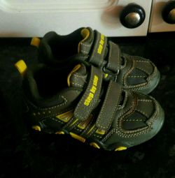 Sneakers step by step