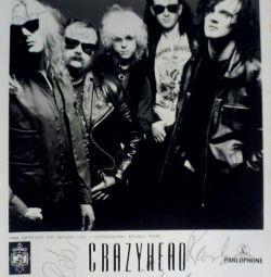 Фото з автографами групи Crazyhead.