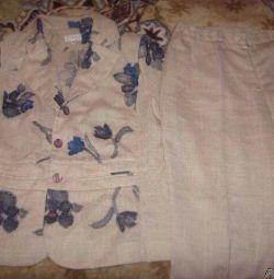 Γυναικεία κοστούμι παντελόνι.