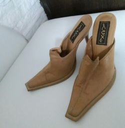 Clogs, genuine leather 36 rub.