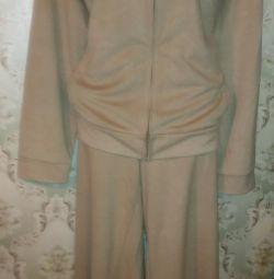 Suit female r.52