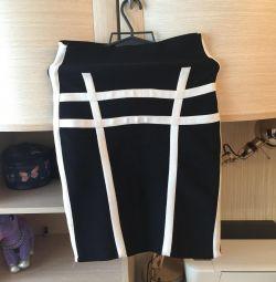 Λεπτή φούστα