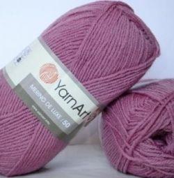 YarnArt Merino De Luxe Yarn