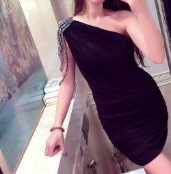 Вечірнє ошатне плаття