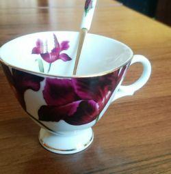 Чашка фарфоровая с ложкой