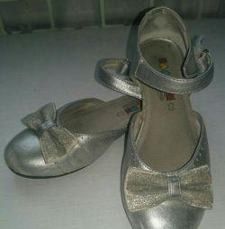 Туфли  серебряные для девочки
