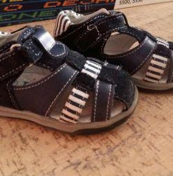 Sandale din piele 19 r.