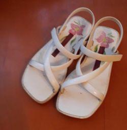 Παπούτσια για την παραλία ή την πισίνα