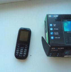 Dexp E4 - екран 1,8