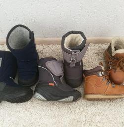 Παπούτσια για ένα αγόρι 25 μεγεθών. Τιμή για όλα!