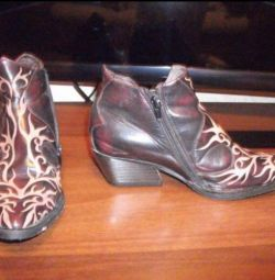 Boots in cowboy style