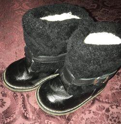 Υψηλές μπότες γούνας