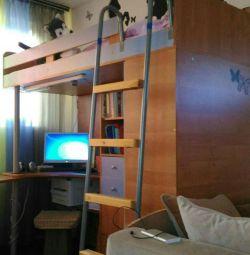 Αττικό κρεβάτι με χώρο εργασίας