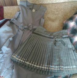 Ρούχα για ένα κορίτσι, μέγεθος 130.