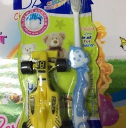 periuță de dinți + jucărie pentru copii