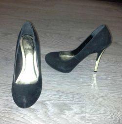 Ayakkabı ve Çizmeler 35-36 р-р
