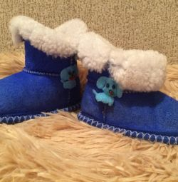 Uggs natural sheepskin