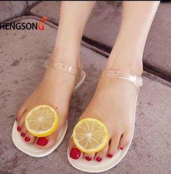 Шлепки «лимоны»