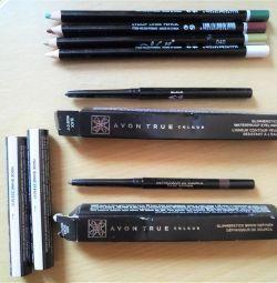 creioane pentru ochi și sprâncene pentru buze