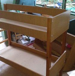компактная двухъярусная кровать для малышей
