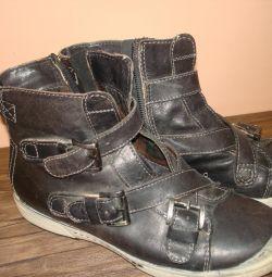 μπότες φθινοπώρου για κορίτσια