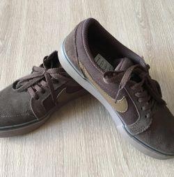 Кеди Nike оригінал 35 р.