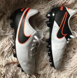 New Nike leather boots 35 r