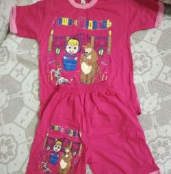 T-shirt and shorts for girls